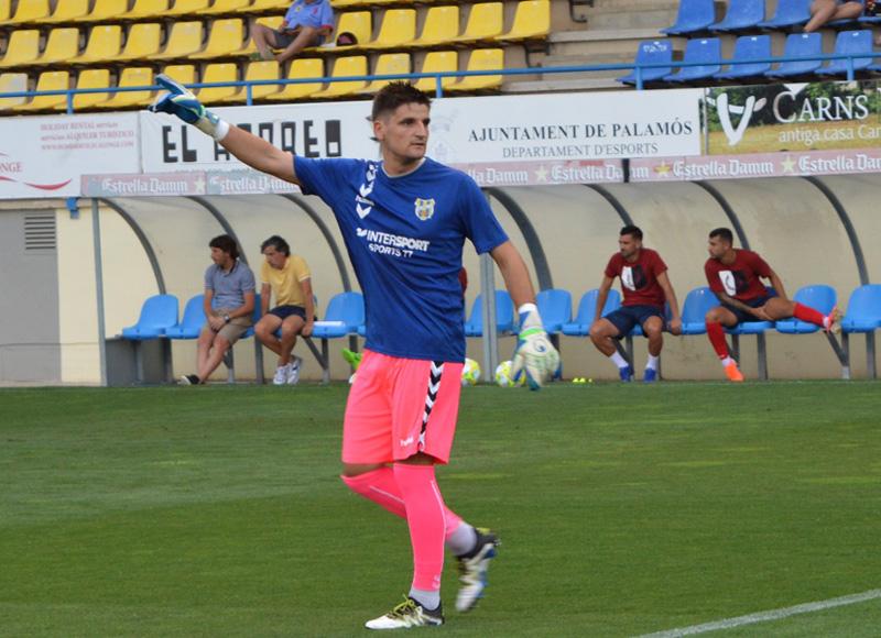 El banyolí Albert Quintanas no defensarà més la porteria del Palamós CF. (Foto: S. Cortés).