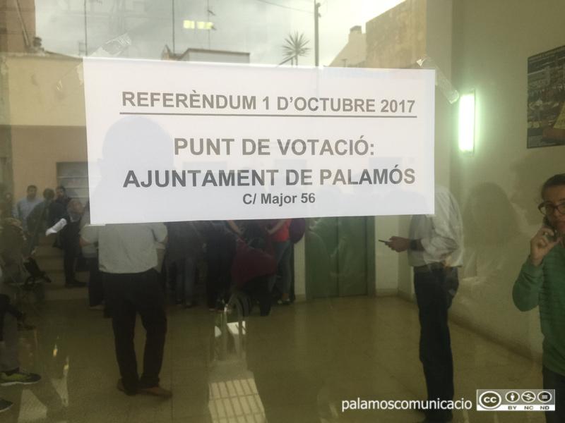 A les 6 de la tarda comencen a tancar centres electorals a Palamós.