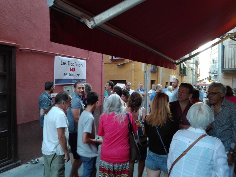 Concentració popular de suport a Can Moni, l'estiu de 2016.