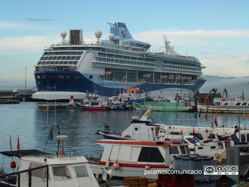 Tui Discovery, al port de Palamós.