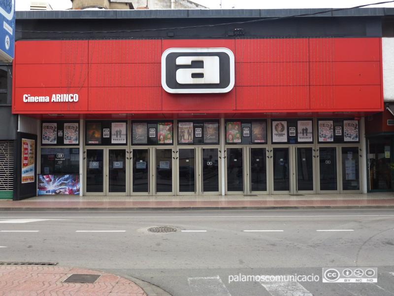 El cinema Arinco, a l'avinguda de l'Onze de Setembre de Palamós.