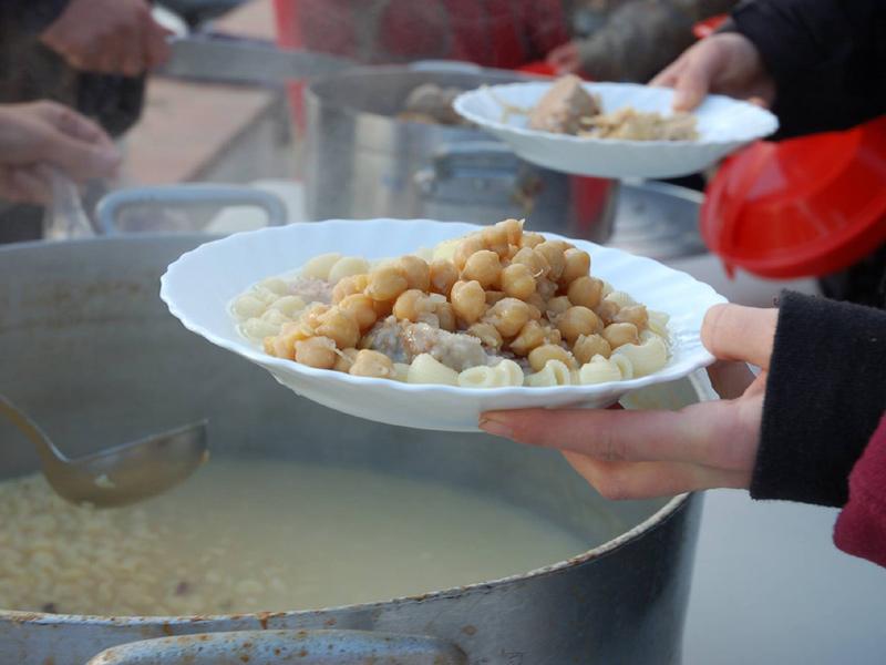 La CUP de Palamós i Sant Joan convida a menjar escudella, demà al passeig del Mar.