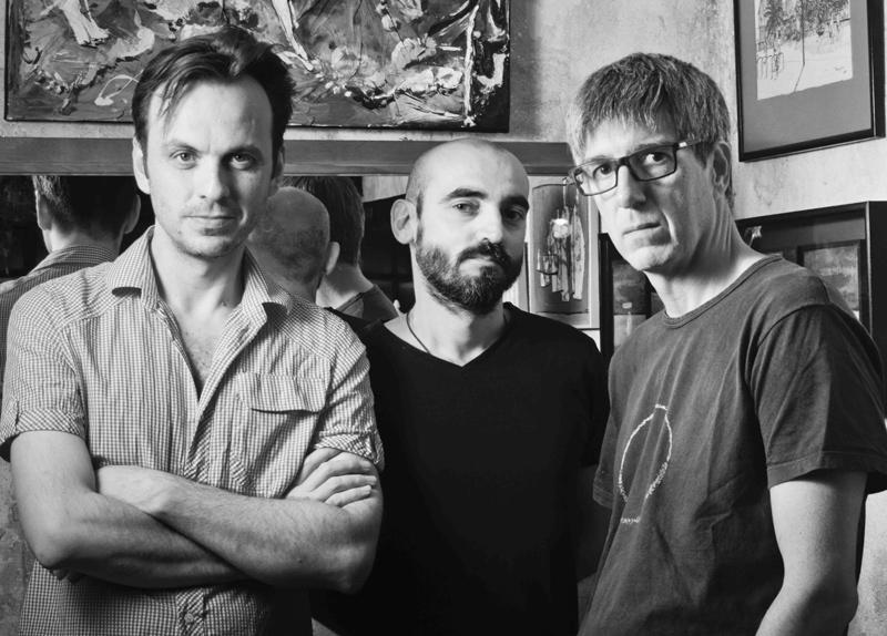 El director de 'Pares Nostres', Ivan Morales, i els actors Jordi Gilabert i David Planas.