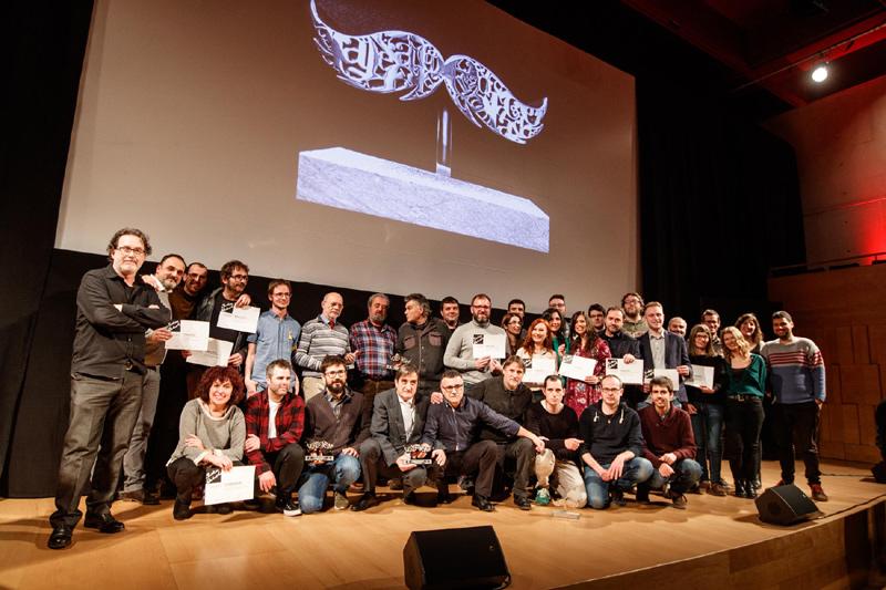 Els guanyadors i finalistes dels Premis Carles Rahola, ahir a l'Auditori de Girona. (Foto: Diputació de Girona).