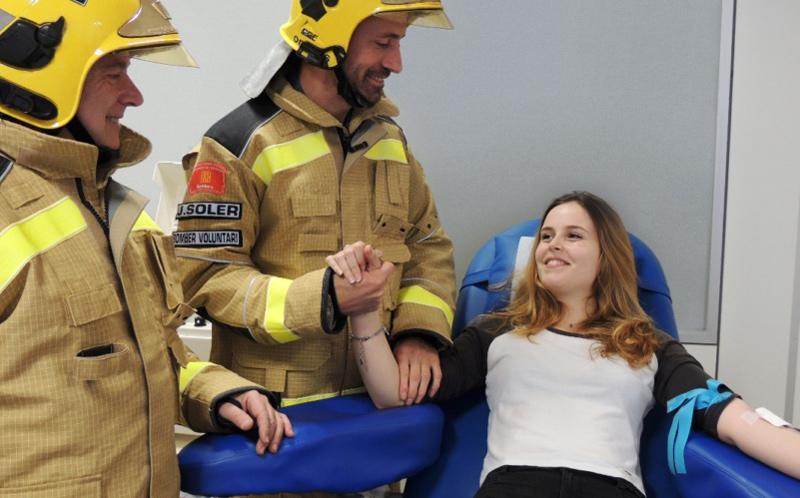 Els bombers col·laboren amb la jornada extraordinària de donació de sang de demà.