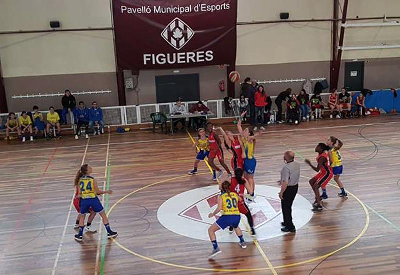 Darrer partit de l'infantil femení del CE Palamós contra l'Escolapis de Figueres. (Foto: CE Palamós).