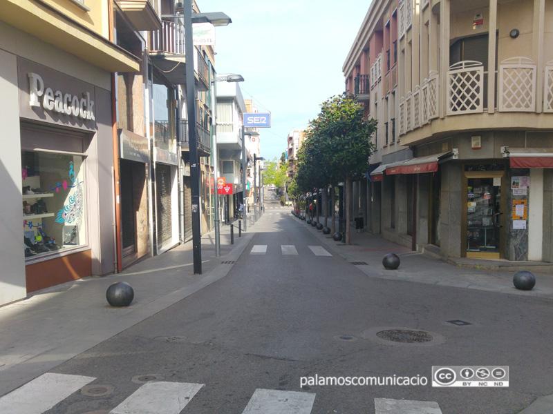 Carrer de Dídac Garrell, al centre de Palamós.