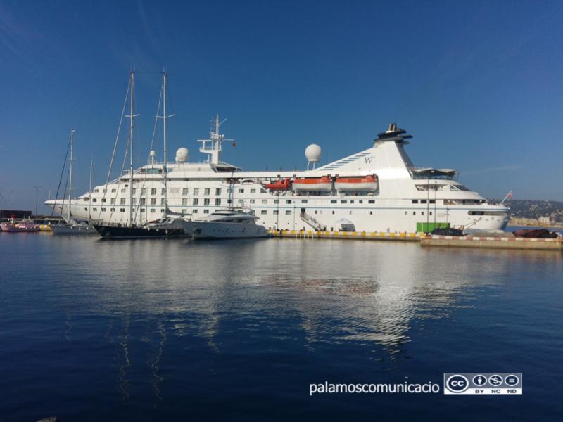 L'Star Pride, aquest matí al port de Palamós.
