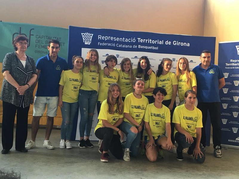 L'infantil femení del CE Palamós es va proclamar campió de Girona. (Foto: CE Palamós Facebook).
