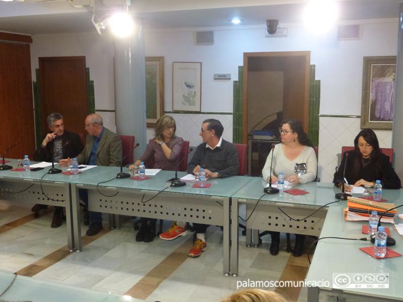 Grup municipal del PSC en un Ple de l'Ajuntament de Palamós.