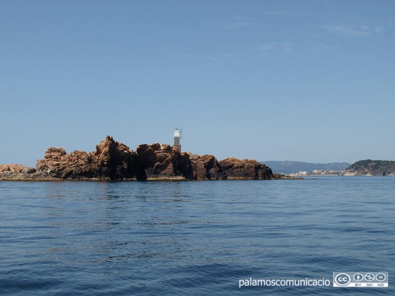 Queda prohibit l'accés a les illes Formigues fins que es resolgui l'afer de l'obús.
