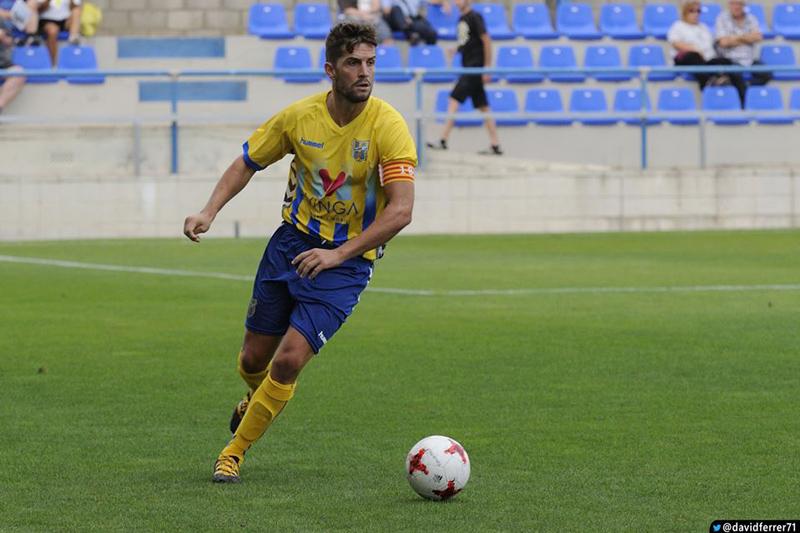 David Cano, capità del Palamós CF en un partit de la temporada passada. (Foto: David Ferrer).