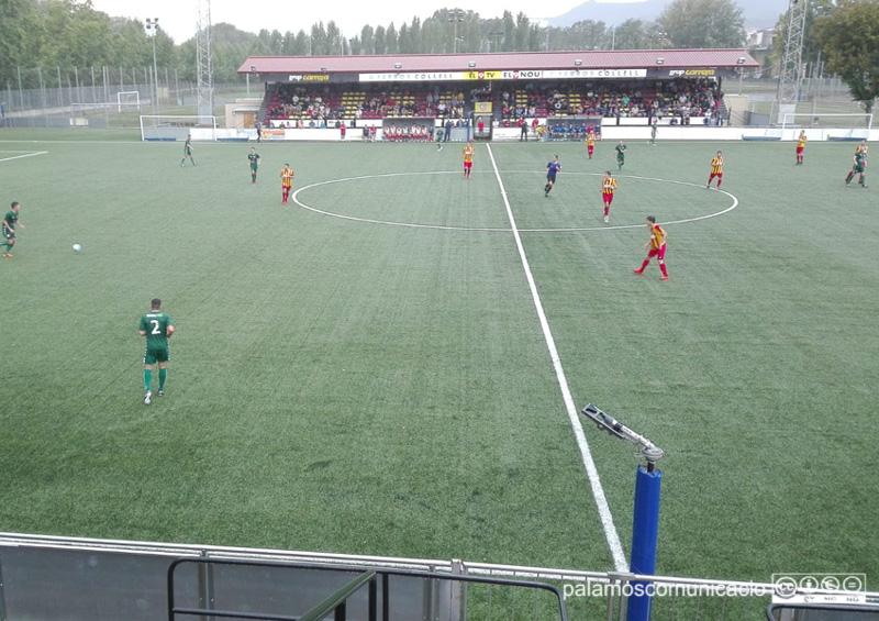 El Palamós ha debutat avui a la lliga al camp del Manlleu.