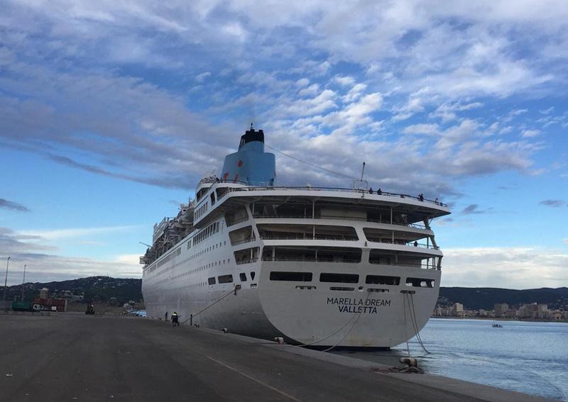 El Marella Dream en la seva darrera visita a Palamós, a principis d'octubre. (Foto: Ports de la Generalitat).