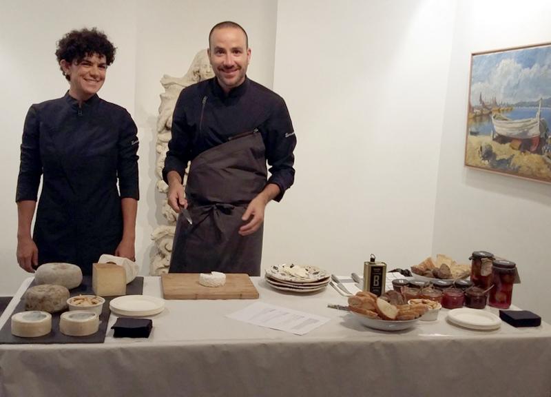 Durant la campanya s'han fet tastos de formatges i vins. (Foto: palamosgastonomic).