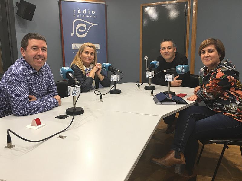 Lluís Colàs, Cristina Gubert, Xavier Roura i Gemma Padilla, representants de quatre escoles de Palamós.