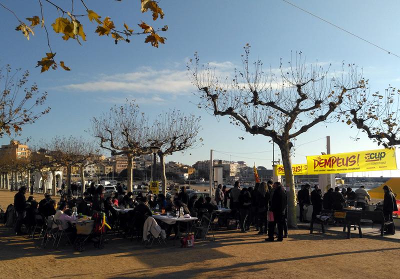 Imatge de l'esCUPdellada de l'any passat. (Foto: CUP Sant Joan-Palamós).