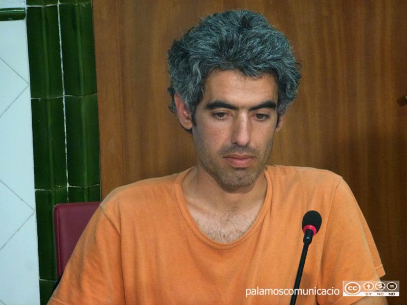 El regidor de la CUP, Joan Bohigas, en un Ple de l'Ajuntament de Palamós.