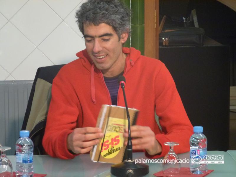 Joan Bohigas, regidor de la CUP, durant un Ple de l'Ajuntament de Palamós.
