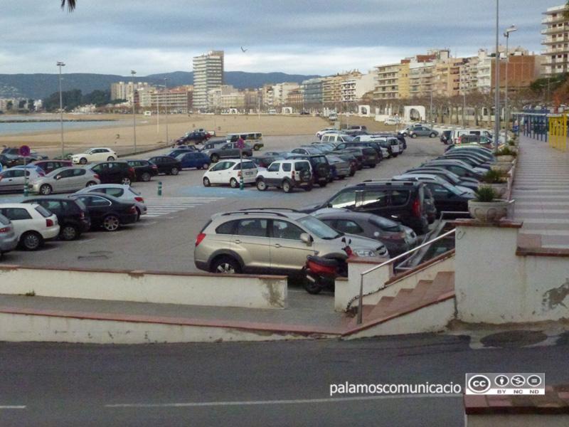 Aparcament de la platja Gran de Palamós.