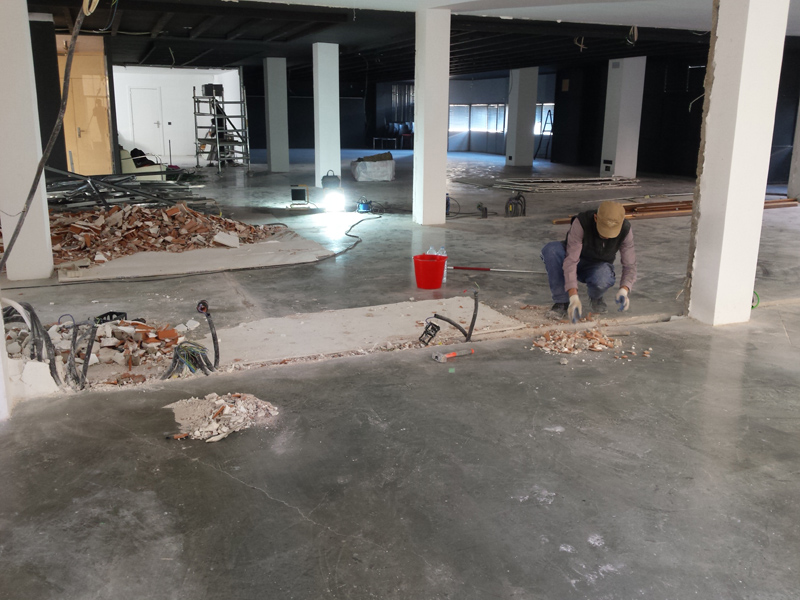 Procés de reforma dels espais interiors del local municipal de les galeries Carme. (Foto: Ajuntament de Palamós).