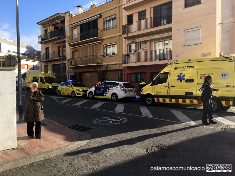 Serveis d'emergència, aquest matí a l'avinguda de Lluís Companys.