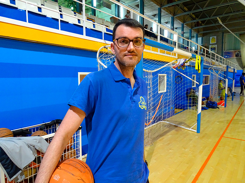 Sergio Menéndez, tècnic del sènior A del CE Palamós, ahir al Pavelló.