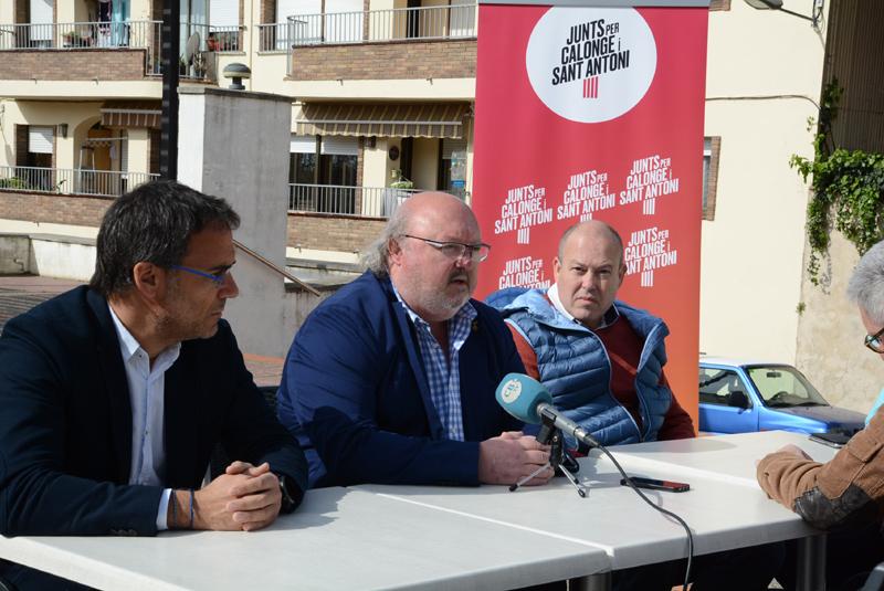 Jordi Soler, al mig, durant la presentació de Junts per Calonge i Sant Antoni.