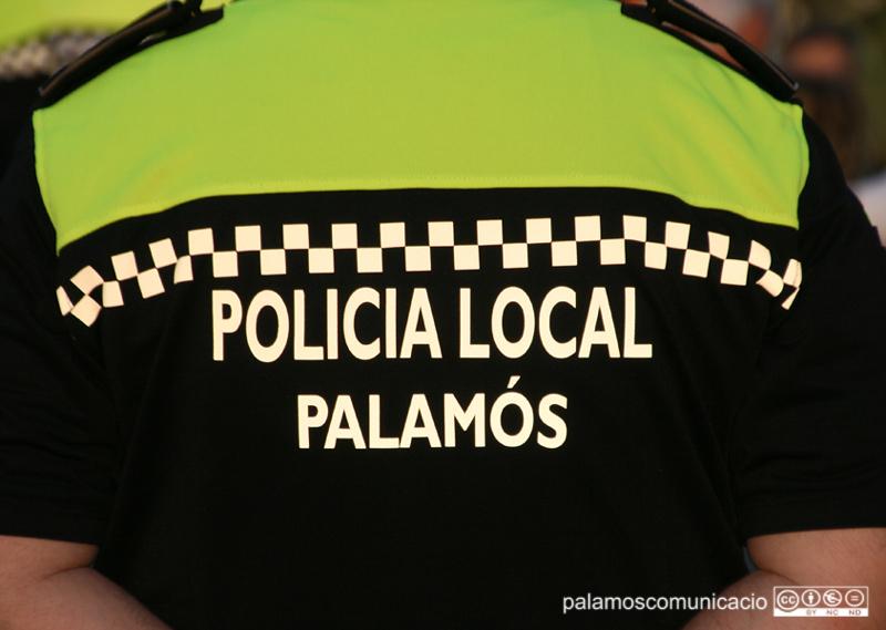 El suposat delinqüent va ser detingut per la Policia Local.