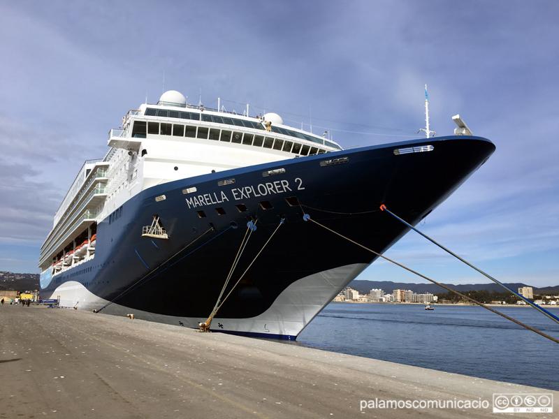 El Marella Explorer 2, al port de Palamós.