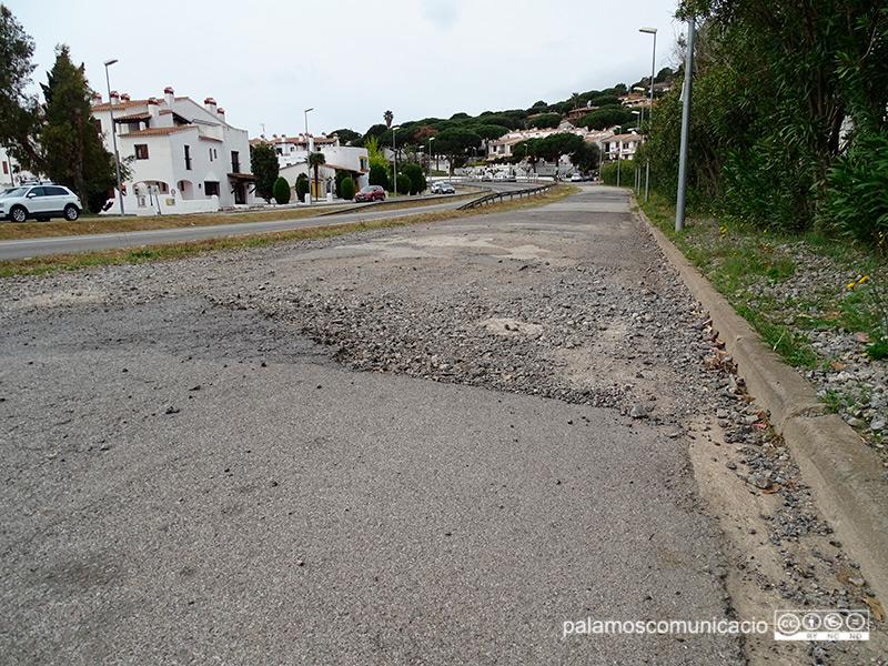 Mal estat dels carrers al sector del Mas Vilar.