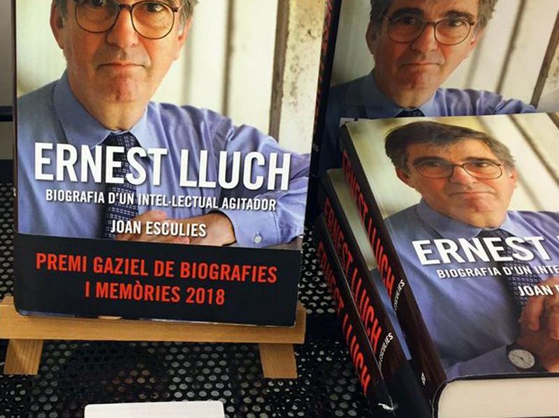 El llibre ha guanyat el Premi Gaziel de Biografies i Memòries.