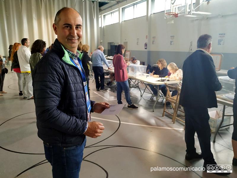 Joan Solés (PP) ha votat a la Nau dels 50 metres.