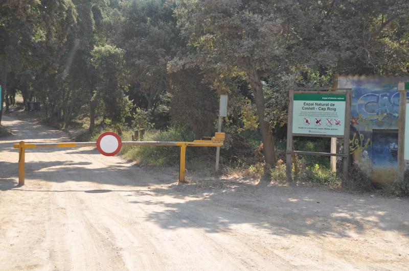 El camí de cala Estreta quedarà tancat al trànsit rodat durant l'estiu.
