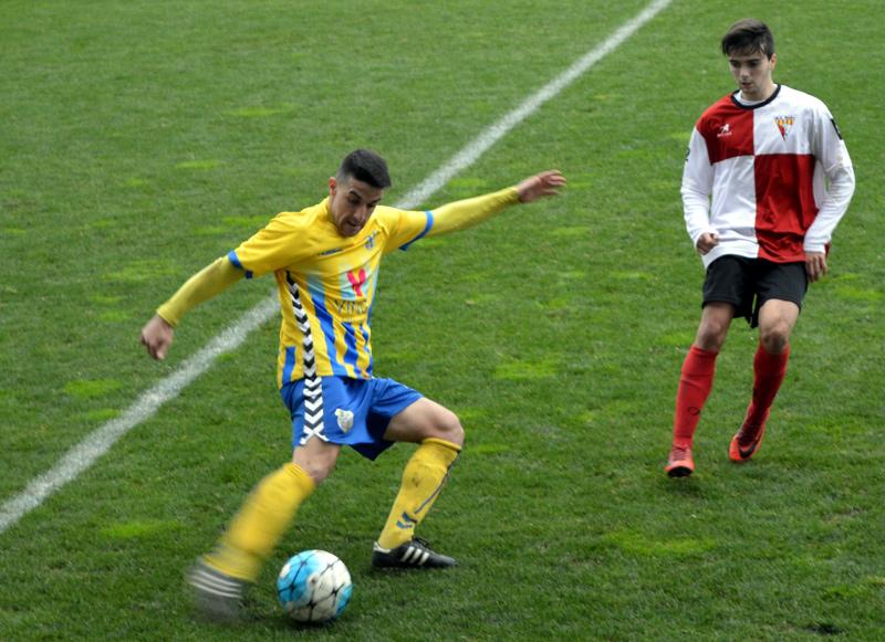 Sergio García, en un partit de la passada temporada. (Foto: S. Cortés fanspalamoscf.com).