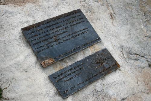Placa commemorativa del primer aniversari del referèndum de Castell.