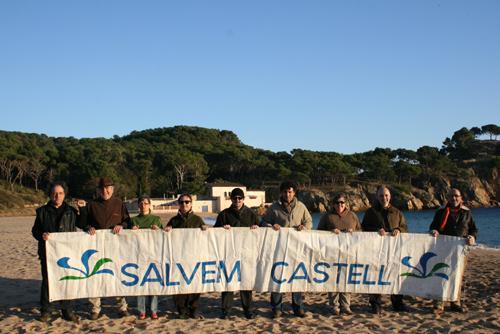 Antiga junta de Salvem Castell, en un dels aniversaris del referèndum.
