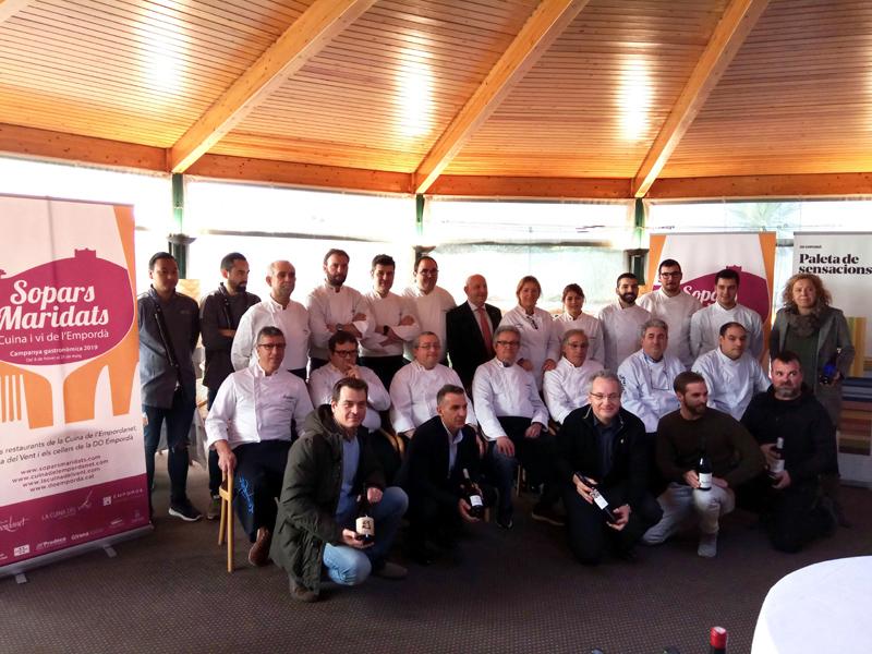 Cuiners del col•lectiu La Cuina de l'Empordanet que han participat en la campanya. (Foto: Grup Costa Brava Centre).