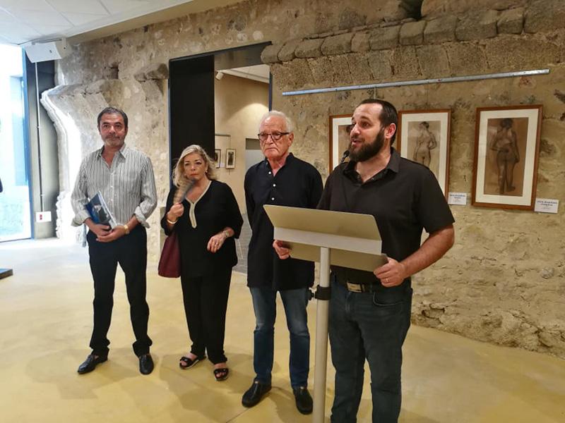 Acte d'inauguració de l'exposició, aquest dissabte. (Foto: Ajuntament de Calonge i Sant Antoni).