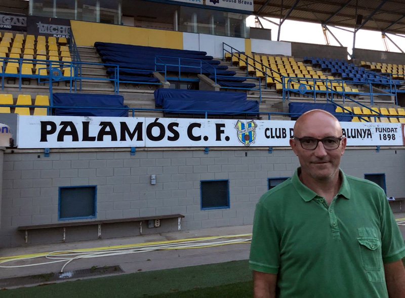 Ramon Monràs torna al Palamós nou anys després, en aquesta ocasió com a assistent de Joan Mármol. (Foto: Palamós CF).