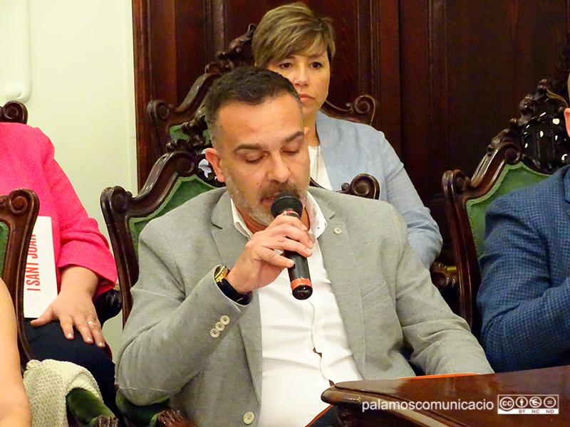Cristóbal Posadas, regidor de Ciutadans a l'Ajuntament de Palamós, el dia de la constitució del nou Consistori.