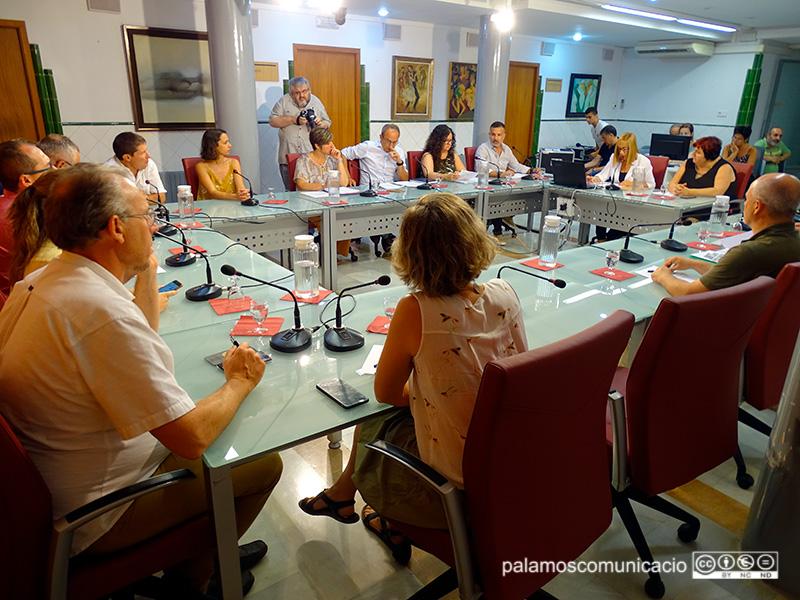 Un moment del Ple municipal que es va fer ahir a l'Ajuntament de Palamós.