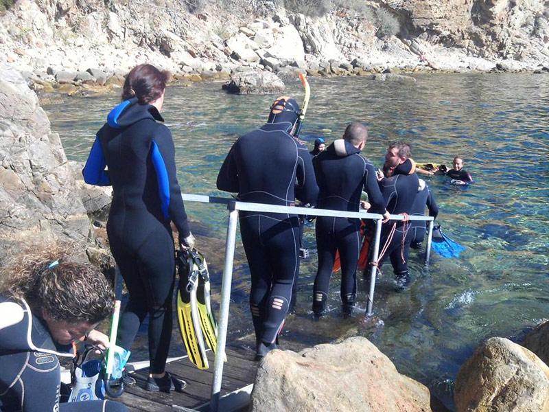 Activitat d'snorkel a l'Espai d'Interès Natural Castell-Cap Roig. (Foto: Àrea de Medi Ambient de l'Ajuntament de Palamós).