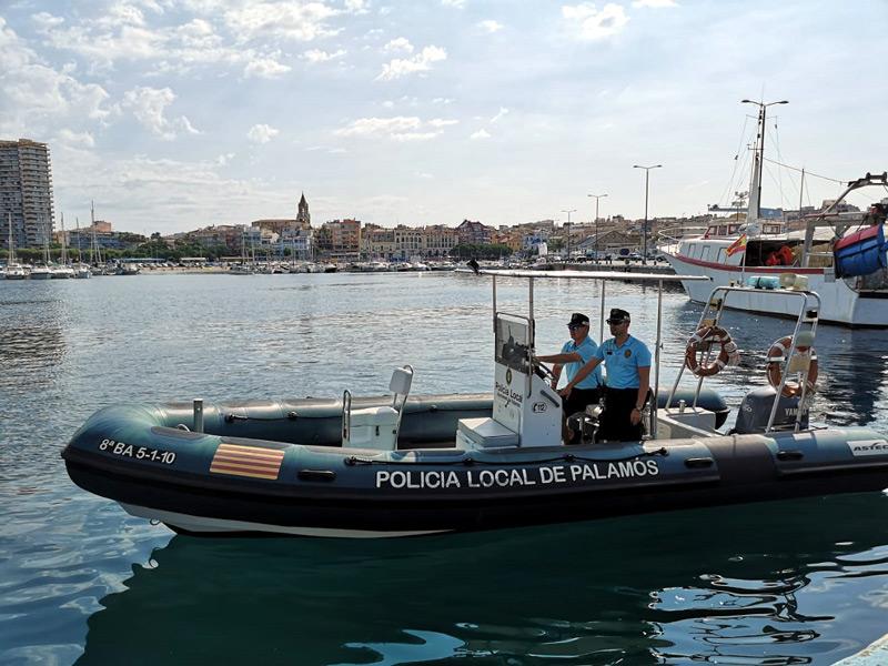 L'embarcació de la Policia Local de Palamós. (Foto: Ajuntament de Palamós).