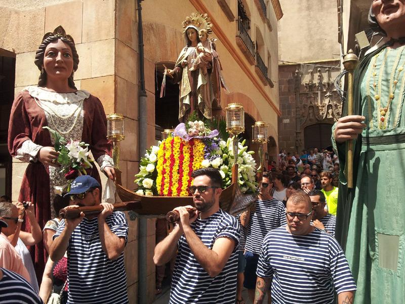Imatge d'arxiu del trasllat de la imatge de la Mare de Déu. (Foto: Ajuntament de Palamós).
