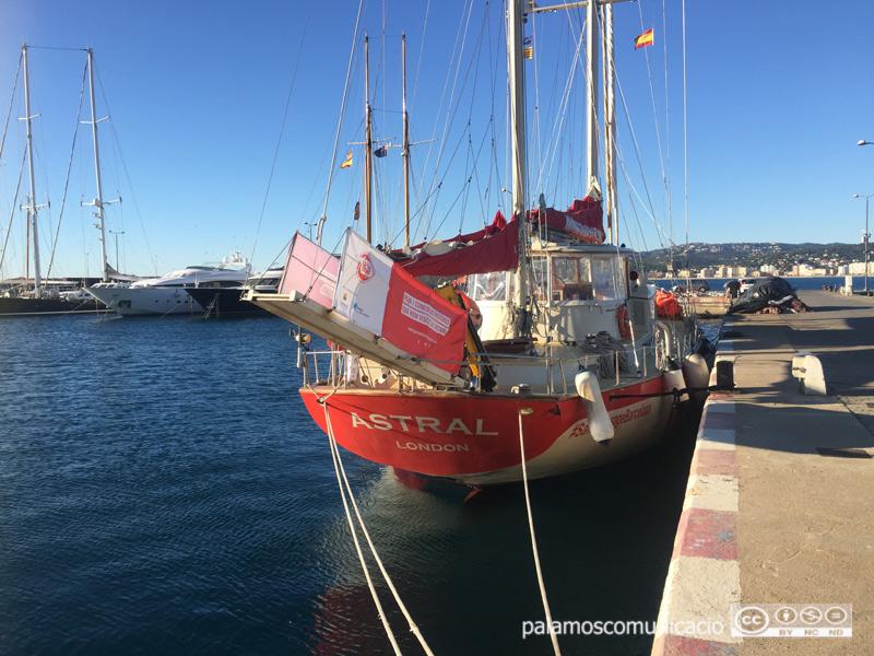 El vaixell de l'ONG Open Arms al port de Palamós, en una visita divulgativa que va fer a finals del 2017.