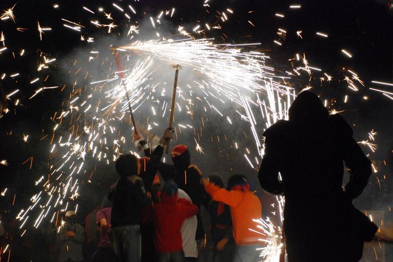Imatge d'arxiu del correfoc de la Festa Major de Sant Antoni. (Foto: Ajuntament de Calonge i Sant Antoni).