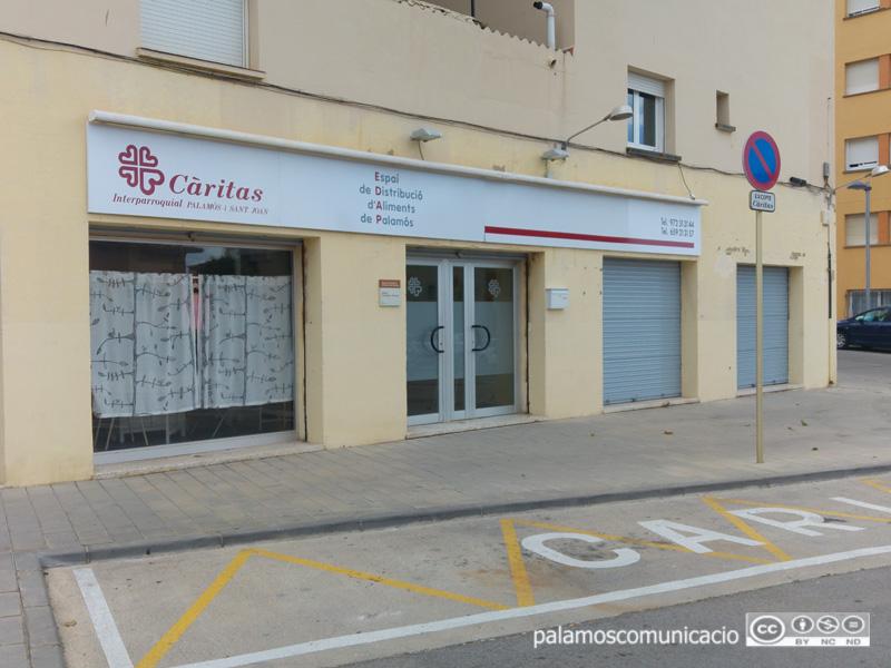 La seu de l'Espai de Distribució d'Aliments de Càritas, al barri de Mas Guàrdies.