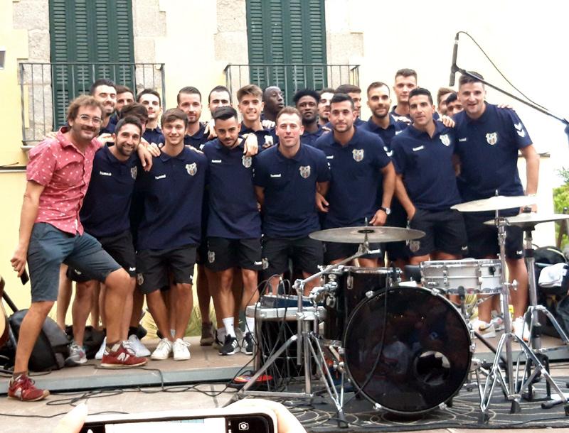 Ahir es va presentar la plantilla del Palamós en l'acte 'Menja't el Mur', organitzat per La Mar Murena.