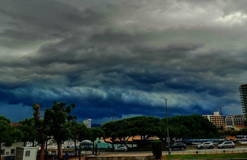 S'esperen fortes pluges durant tot el dia a Palamós. (Foto: instagram.com/carlitaipunt).